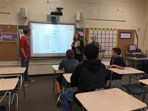 Thursday, Oct. 10th, Ms. Wenndt and her French class come in and to teach the foreign language students at Walworth Elementar